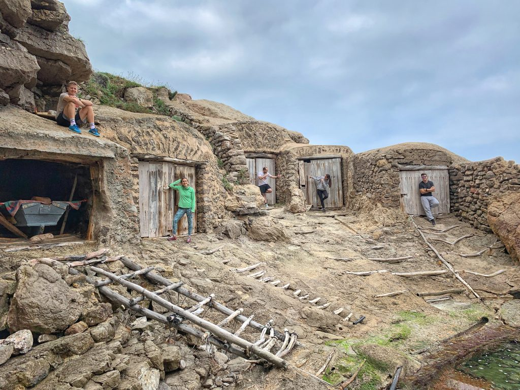 Descubre la Ruta de Ses Balandres Ibiza